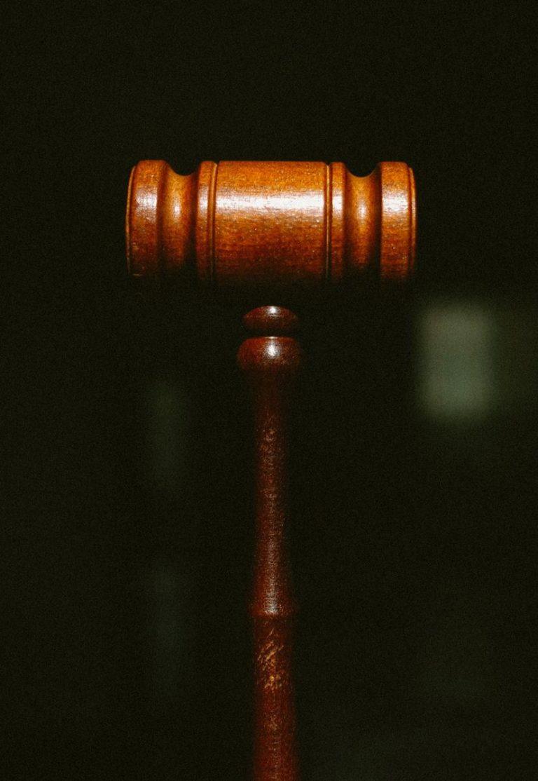 Jak wybierać firmy zajmujące się świadczeniem usług prawnych?