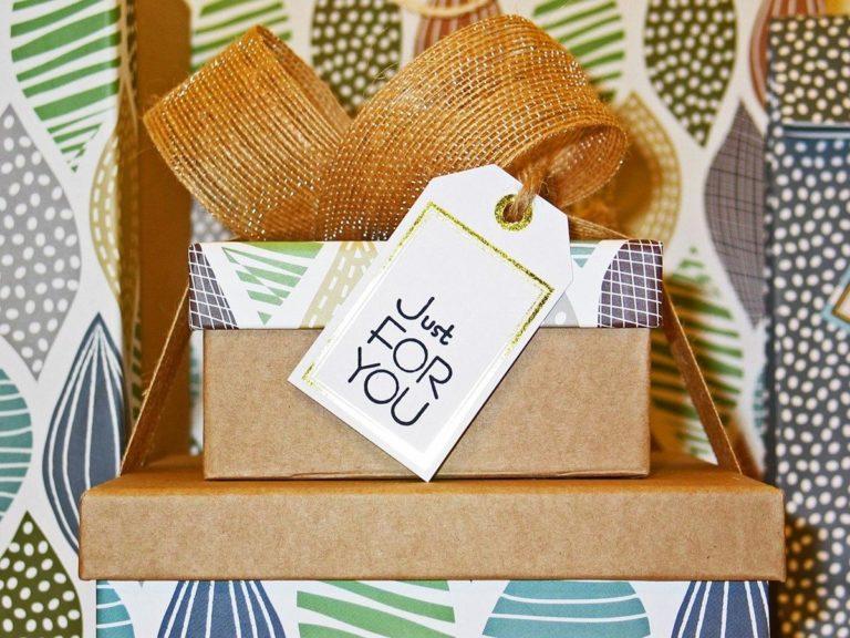 Paczki świąteczne - świetny pomysł na prezenty dla pracowników