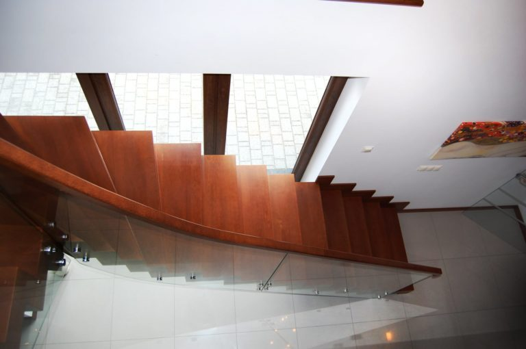 Po co nam nowoczesne drewniane schody?